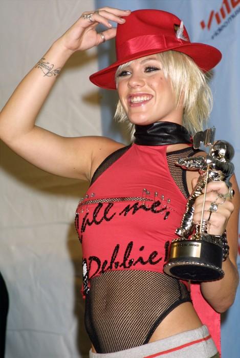 Pink MTV VMAs 2001